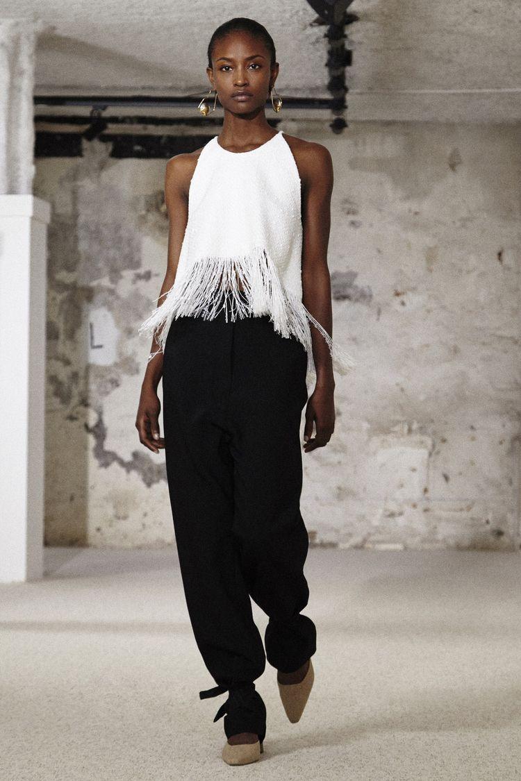 reappearance fashion - minusculamagazine | ello