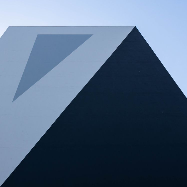 Composition blues angles Brunss - erik_schepers | ello
