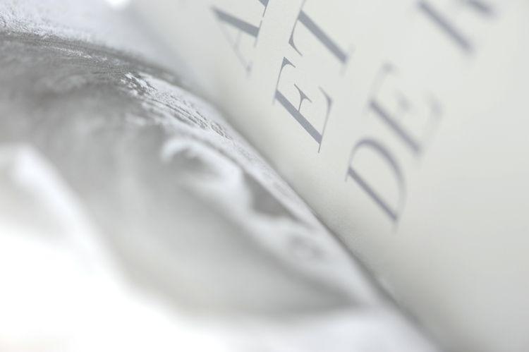 détail book design - ateliersandrabinder | ello