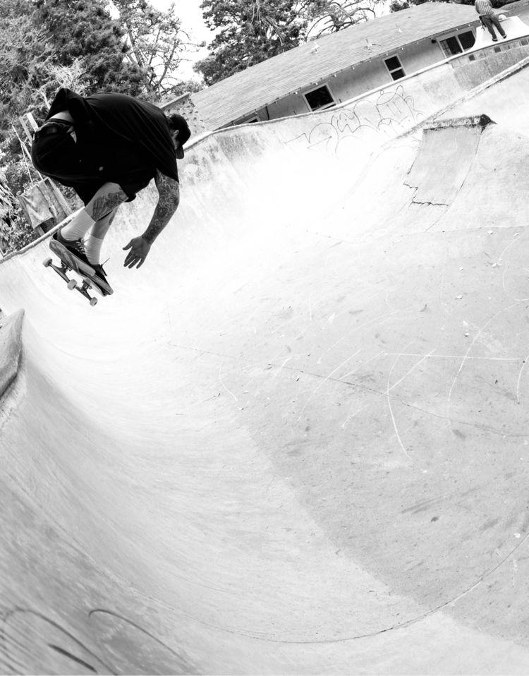 Chris   Bowl Pre-Demolition - skateboarding - photobiram   ello