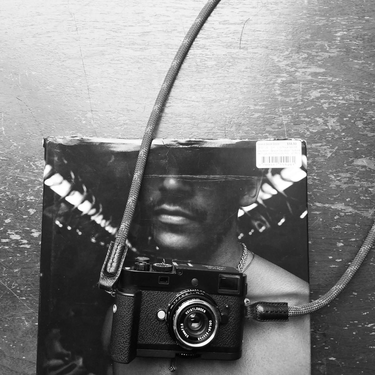 Inspiration Strand Books - blackandwhite - 5amtoday | ello
