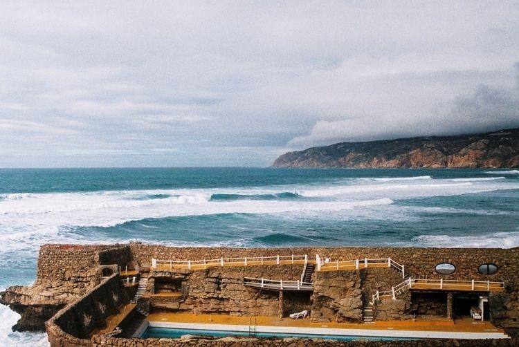 Praia da Água Doce, Cascais - filmfotography - ferreira-rocks | ello