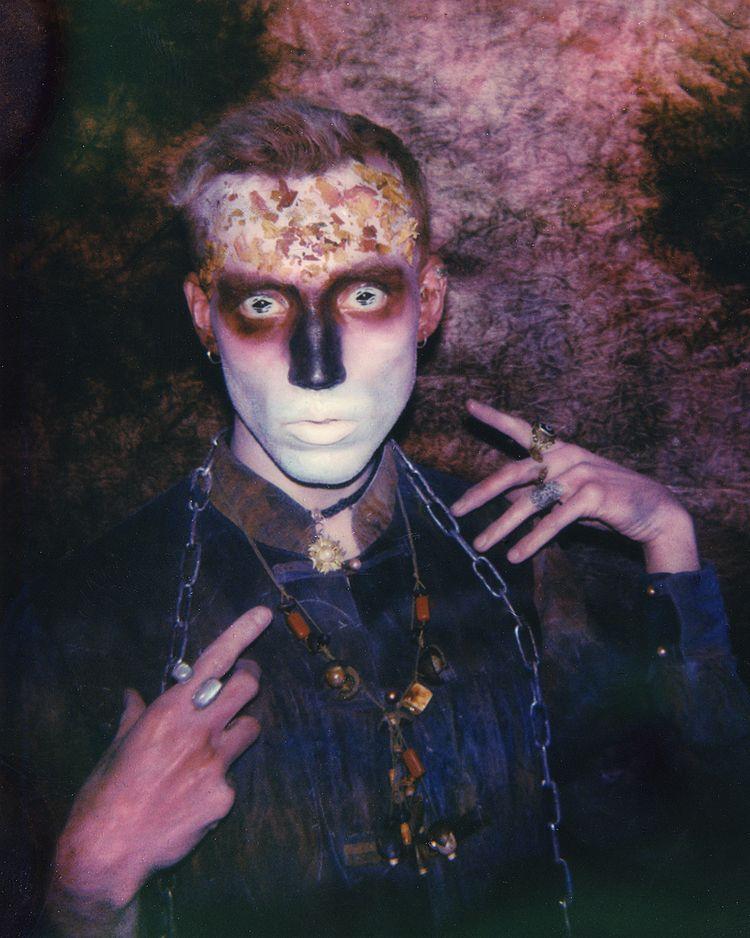 Spirit spa abyss // portrait Po - jauer | ello