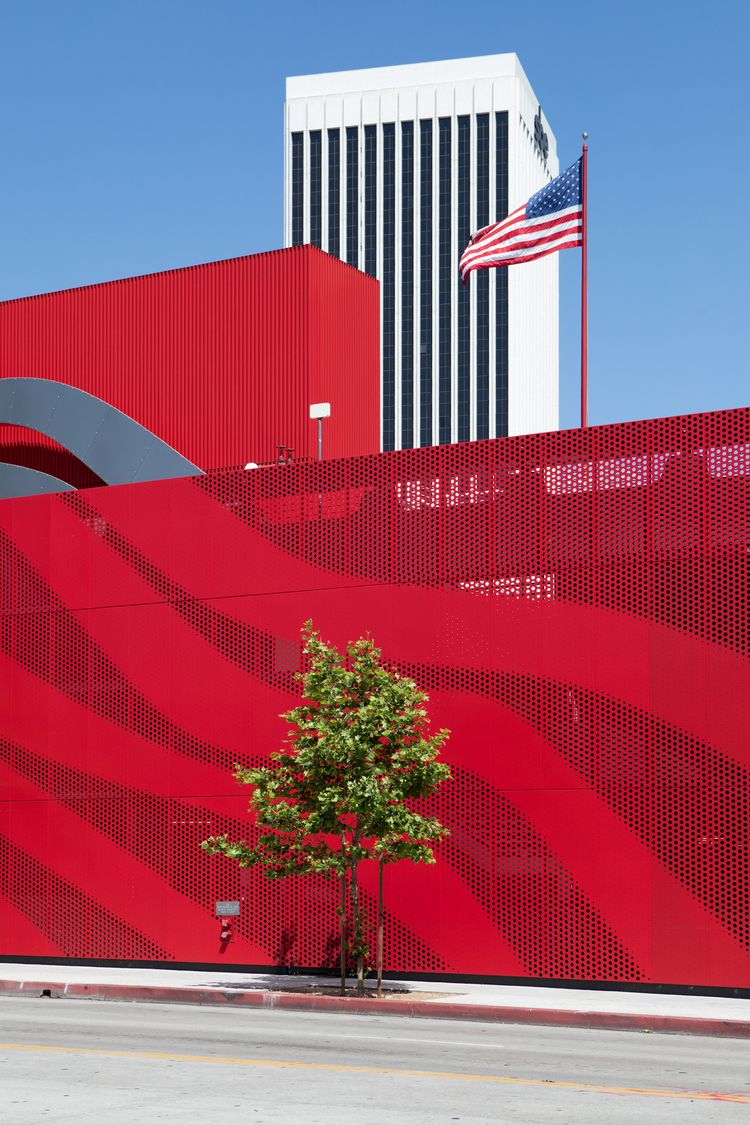 Petersen Automotive Museum, KPF - odouglas | ello