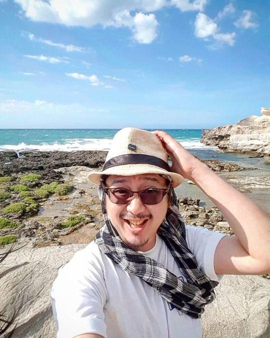 View sea - KapurpurawanRockFormation - vicsimon | ello