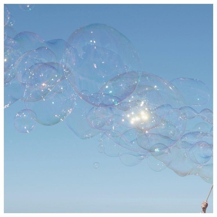 Light soap bubble | Léger comme - murielleetc | ello