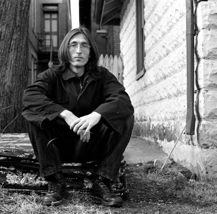 John Lennon Lives Grass Grey Se - lightproofmedia | ello