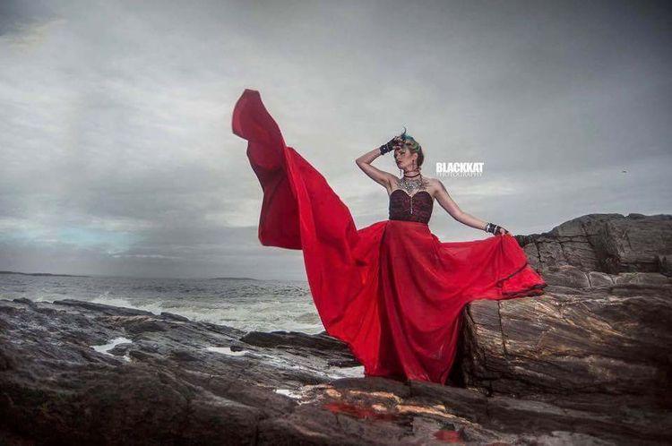 Lady Red <3 Featuring Design - missmaryannem   ello
