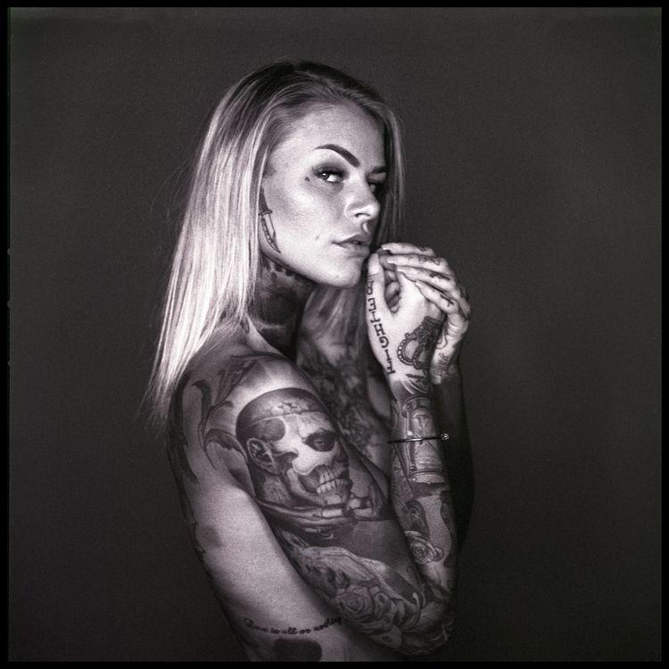 roots. Sarah Hasselblad TMX, de - cprotz | ello