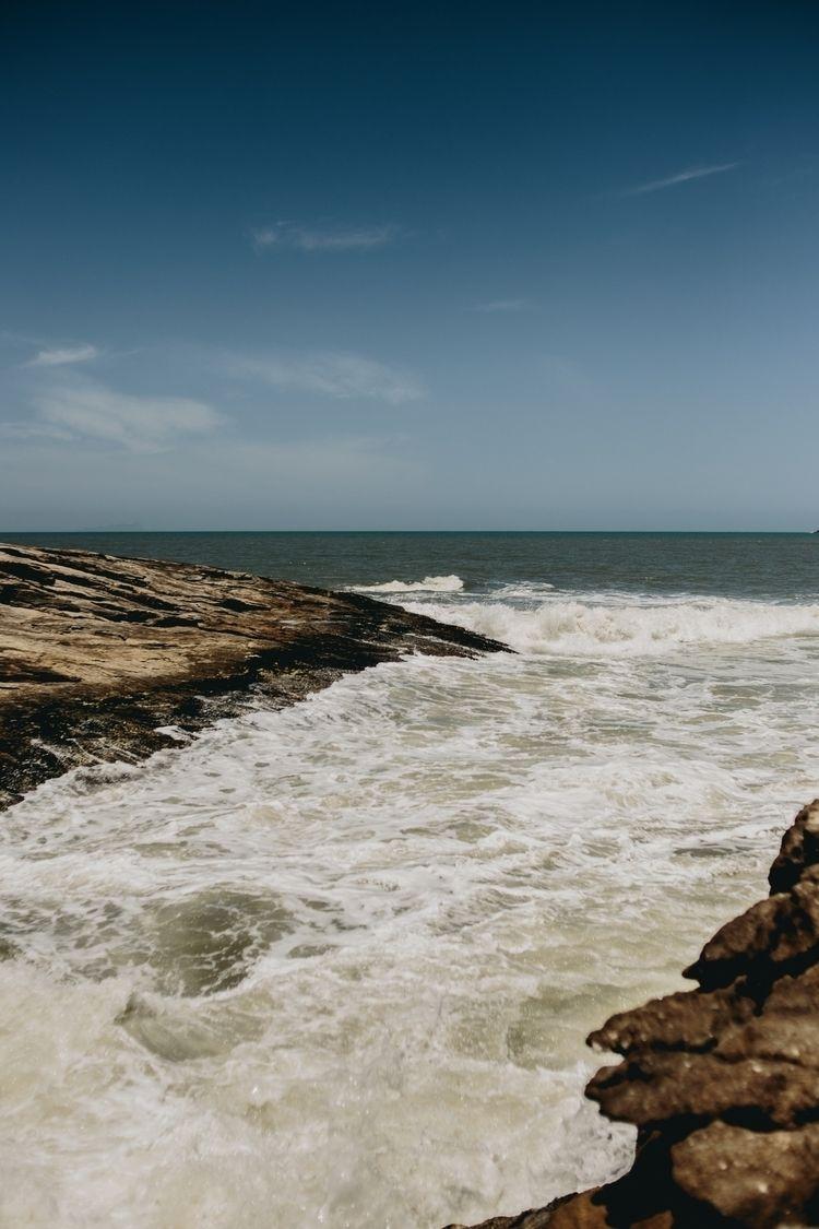 Camburyzinho beach São coast - sea - ilanarium | ello