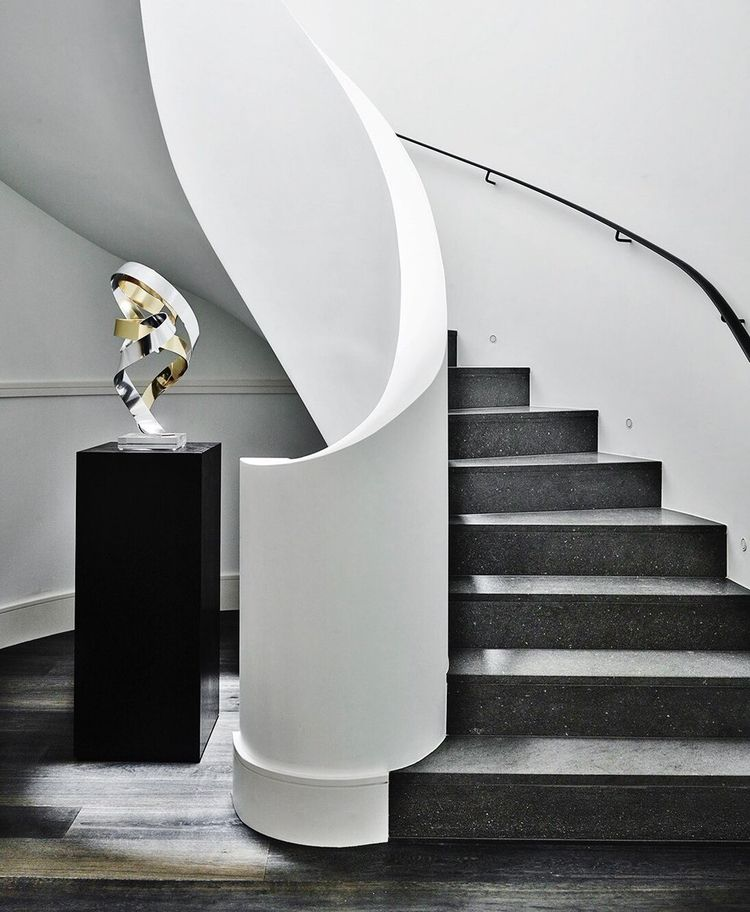 Staircase luxury... Rose Bay Ho - 5style | ello