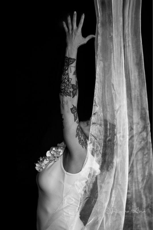 Reach - monochrome, blackandwhitephotography - sheona-ann | ello
