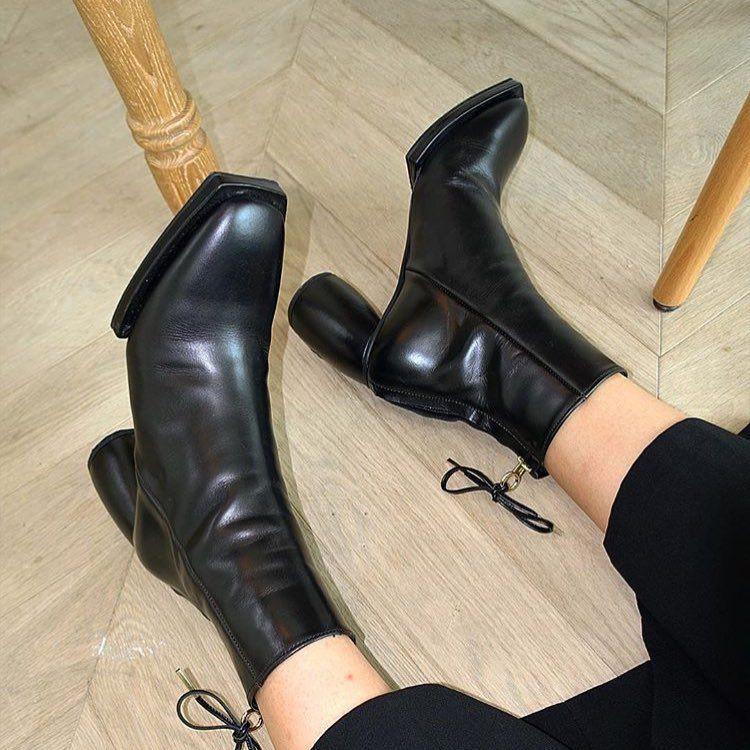 delicately square boots Reike N - anaispaws | ello
