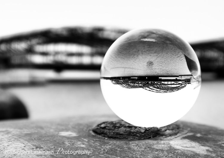 Close river - lensball, glaskugel - slaakmann | ello