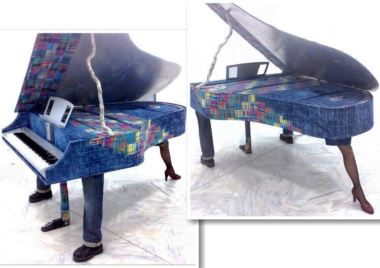 Walking piano. Digital stage pi - artecoart | ello