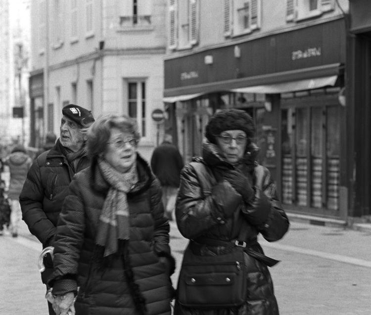 Strangers Chartres street - Streetphoto - peterhphotography   ello