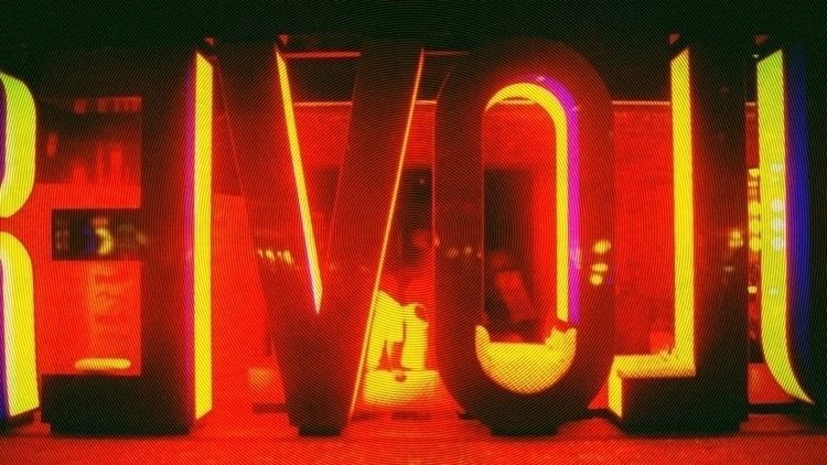 Love (2009 - montcarver | ello