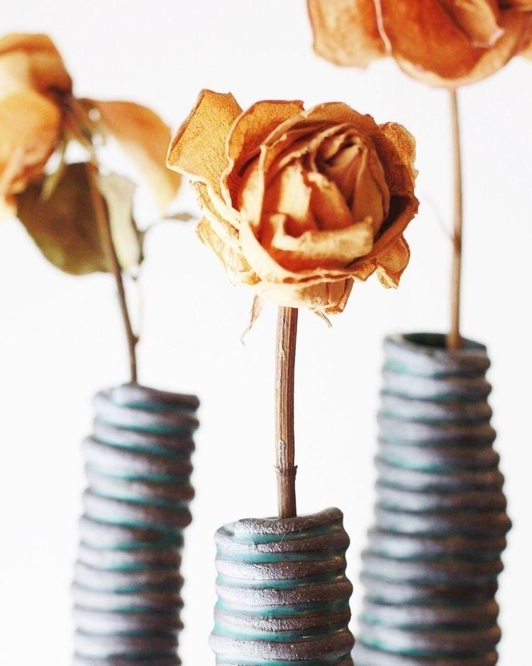 Dead roses vessels - maker, ellosculpture - chrisswazie-ceramics | ello