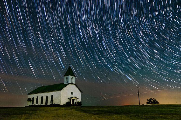 Star Trails church - photography - timothy_hoang   ello