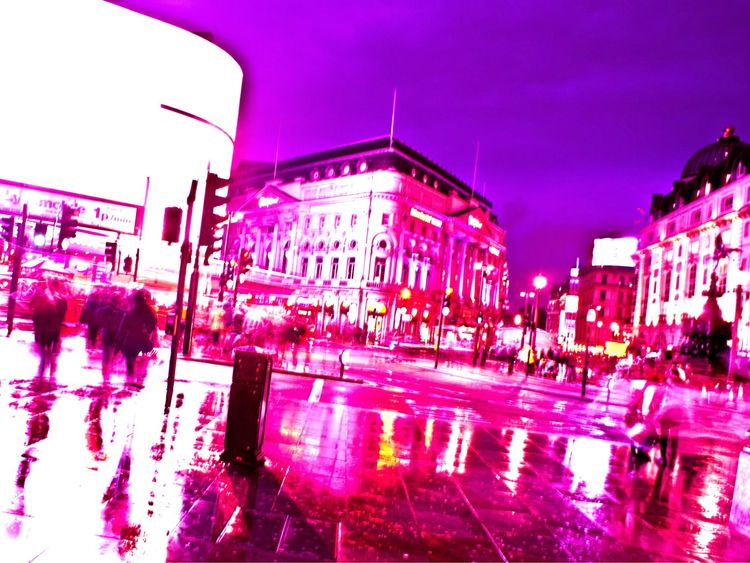 rainy evening Piccadilly Circus - mindsgonewild | ello