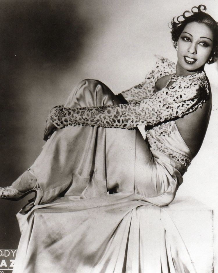 josephine baker biography This lesson would be introduced to launch the black history month in high school students would learn about the influence of josephine baker then and the influence on today's artists.