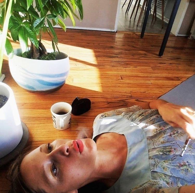 Dee Dussault Ganja Yoga Photo c - ellocannabis | ello