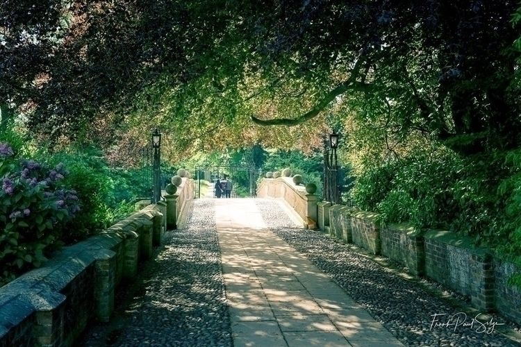 love walking Clare College gard - frankps | ello
