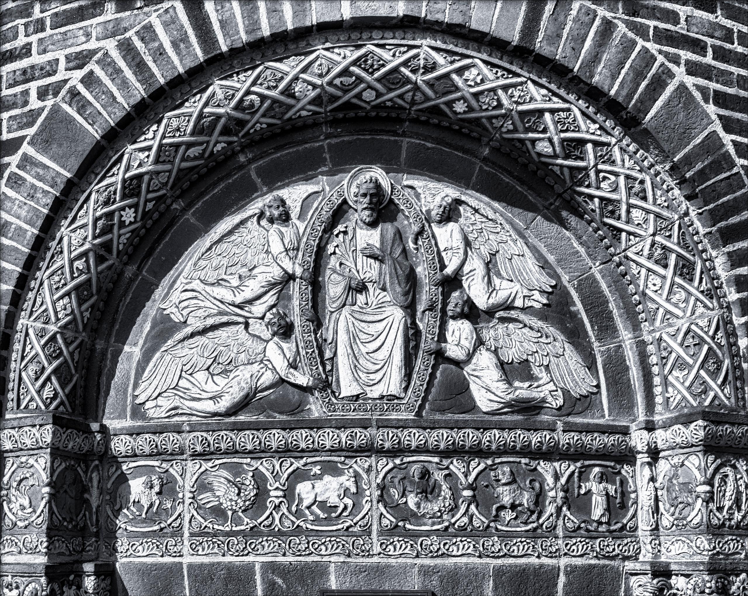 Architectural detail doors orat - docdenny | ello