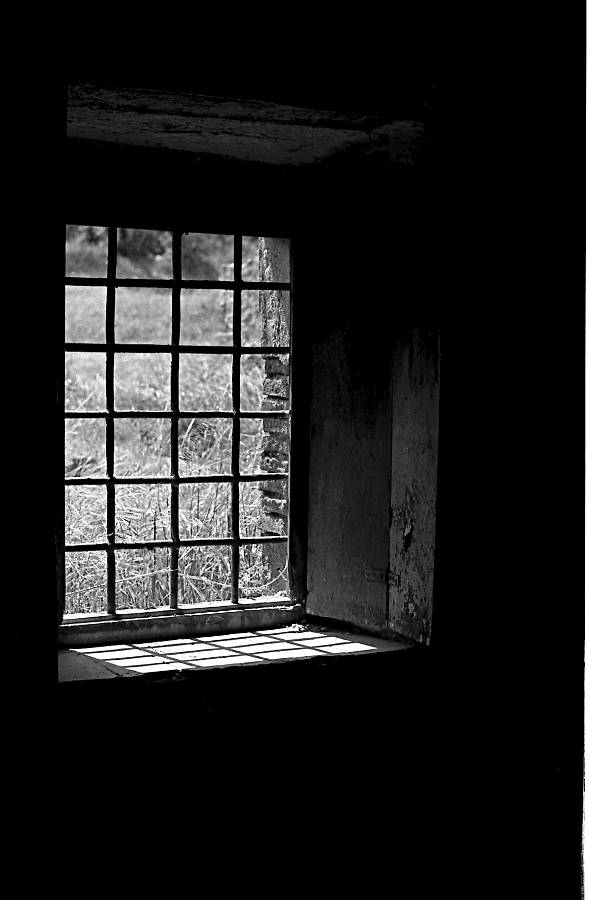 Farmhouse window, Catalonia, 19 - andrewld   ello