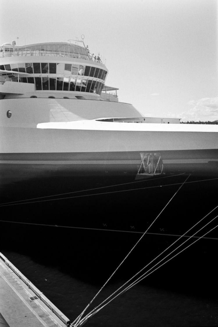 aboard - minoltacle, kodak, tmax400 - kch | ello