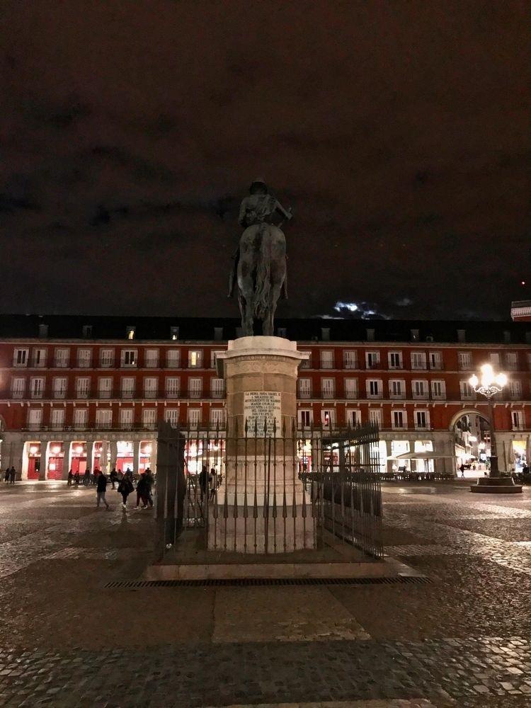 Plaza Mayor, Madrid - coniector | ello