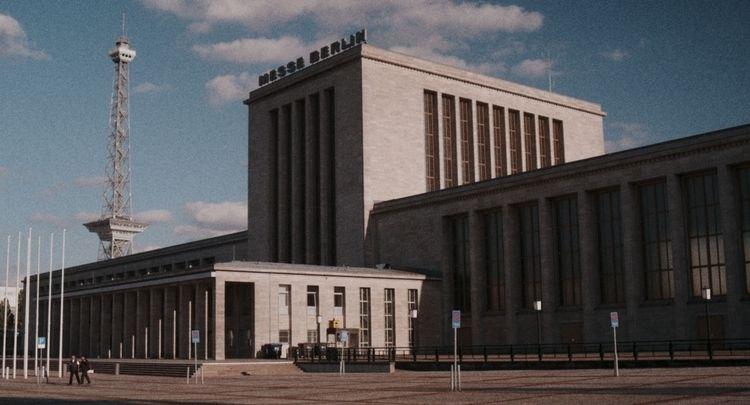 Messe Berlin Radio Tower. Panas - stikka | ello