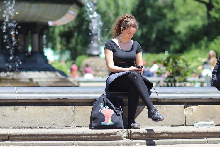 Sitting, Bethesda Fountain, Cen - kevinrubin   ello