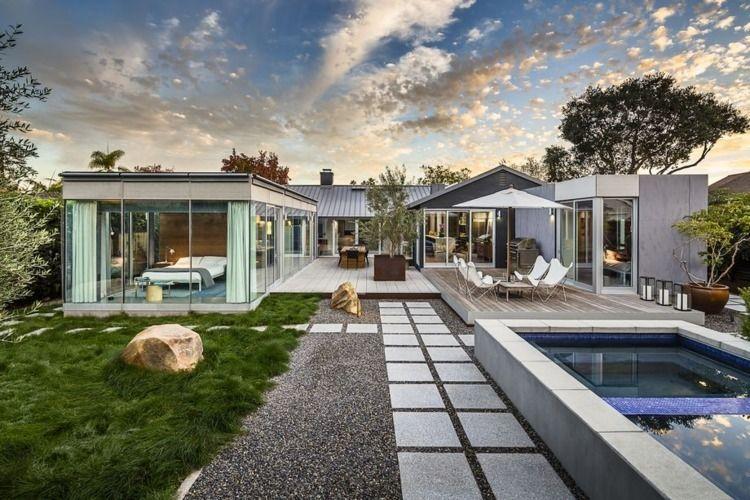 Indoor-outdoor modern house lap - red_wolf | ello