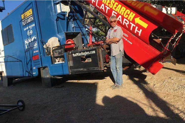 'Flat Earther' homemade rocket - magazishnet | ello