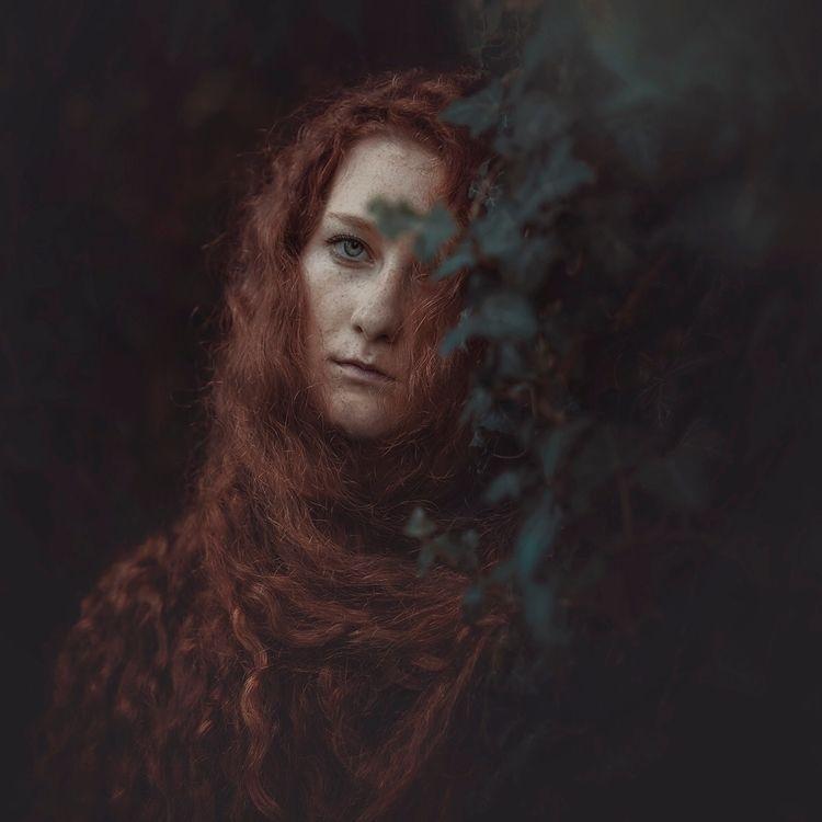 Photographer: Raluca Arhire Mod - darkbeautymag | ello