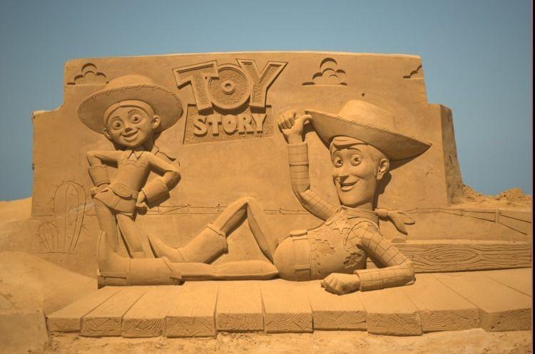 Aquela escultura de areia você  - hqscomcafe | ello