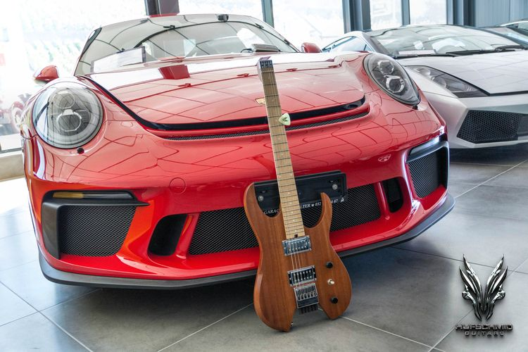 Porsche giving kiss headless gu - hufschmidguitars | ello