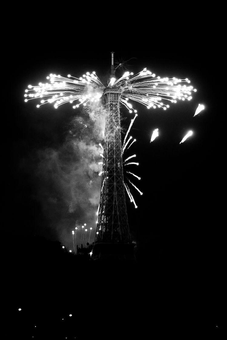 Booom - fireworks, 14thJuly, BastilleDay2018 - flommeunier | ello