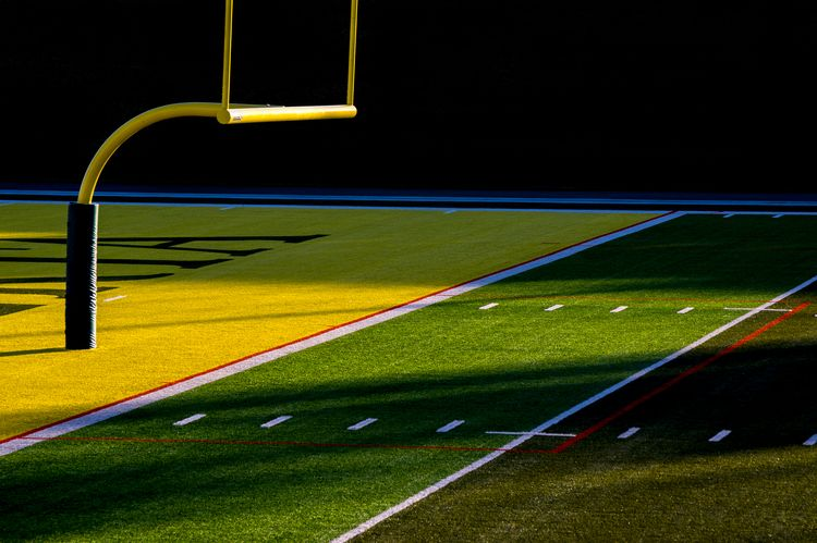 Team - football, stadium, emptiness - jeff_day | ello