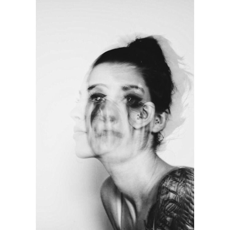 model, girl, home, bnw, tattoo - adisc | ello