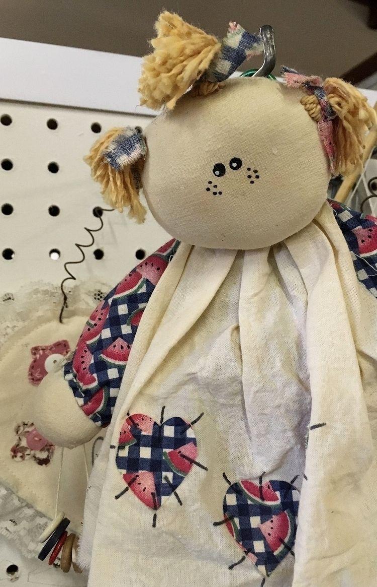 1349. reverse-Cheshire-Cat doll - moosedixon | ello