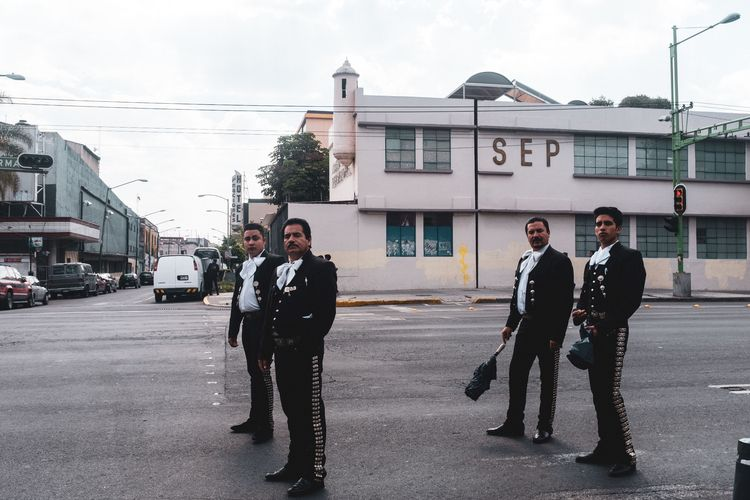 met mariachis photo-walk yester - trovatten | ello