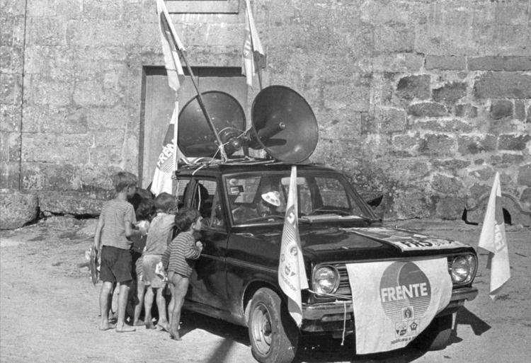 Crianças na década de 70 - Amar - manuel_araujo | ello