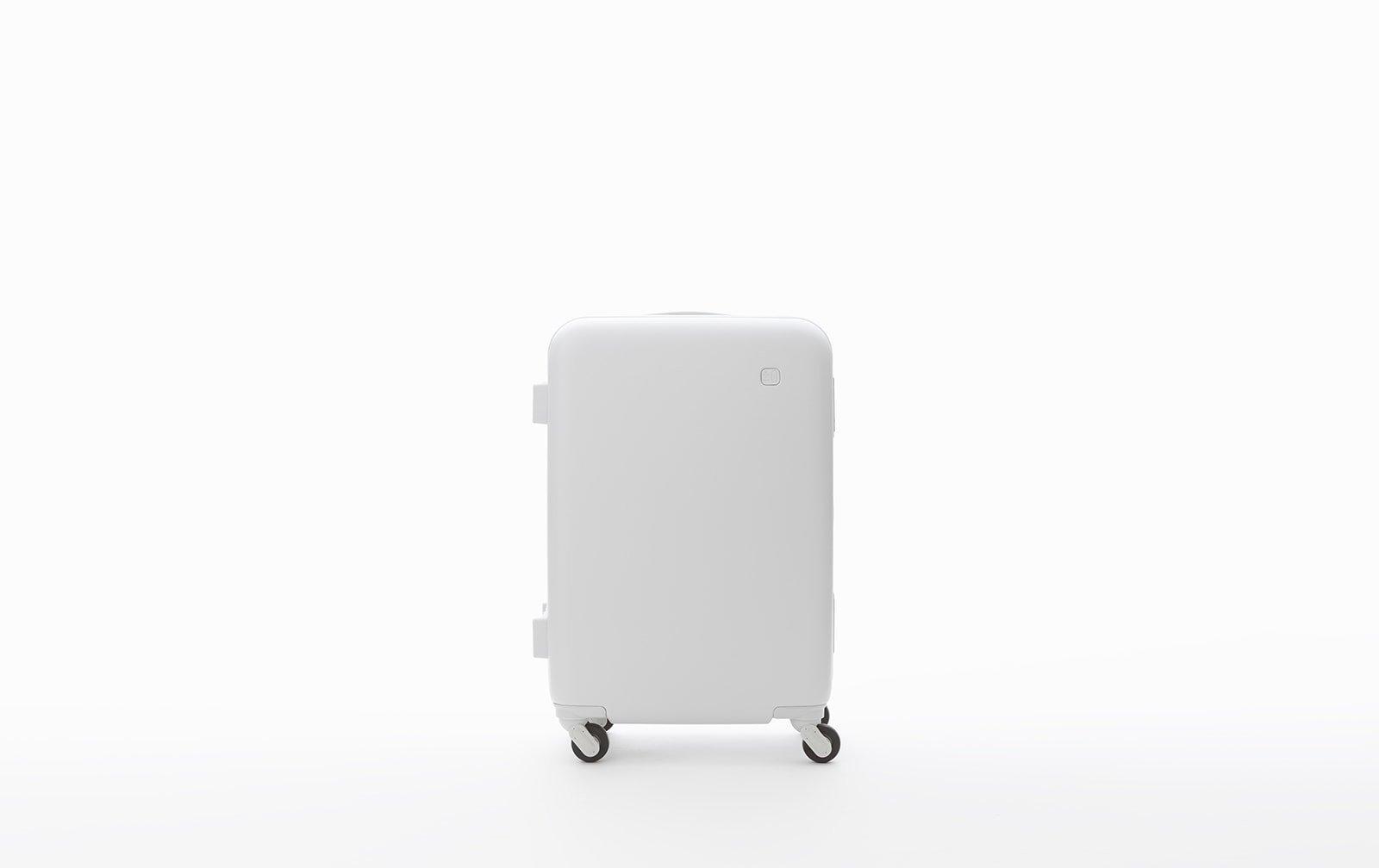 travel season full swing, thoug - minimalissimo | ello
