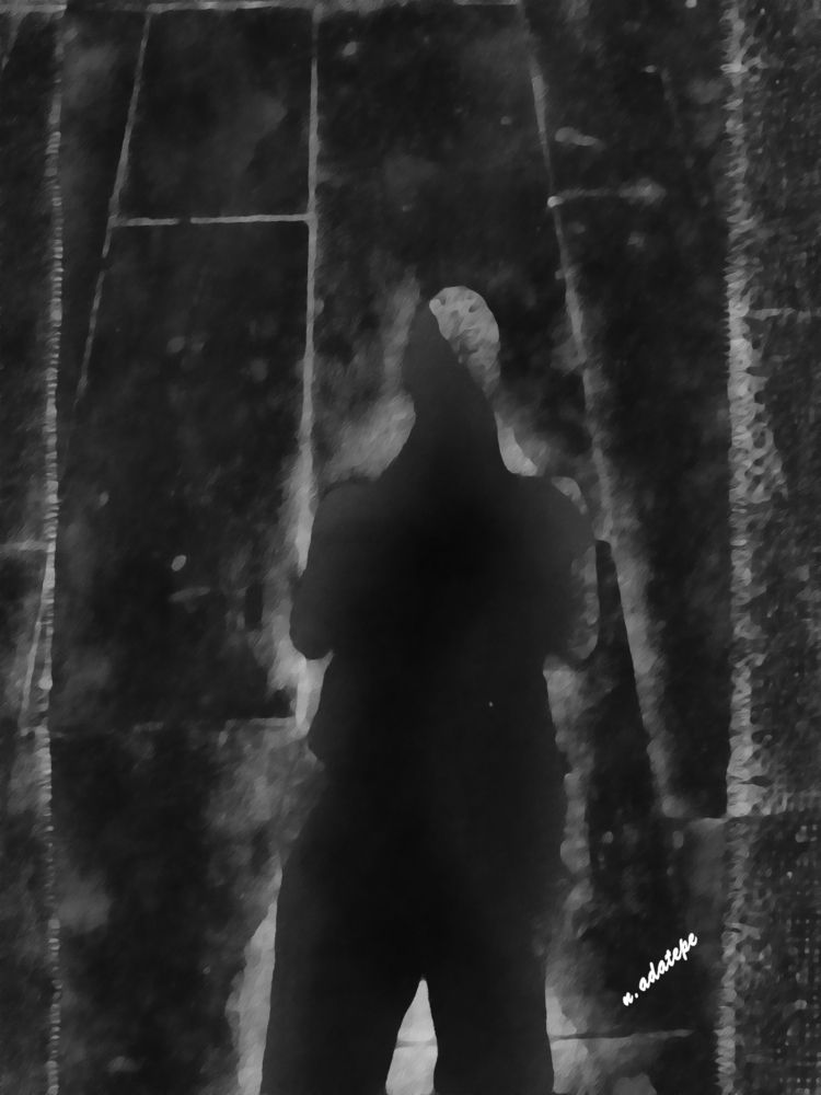 portrait shadow - art, digital, blackandwhite - nadatepe | ello