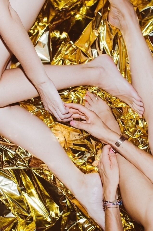 legs, friendship, hands, girls - corinnn | ello