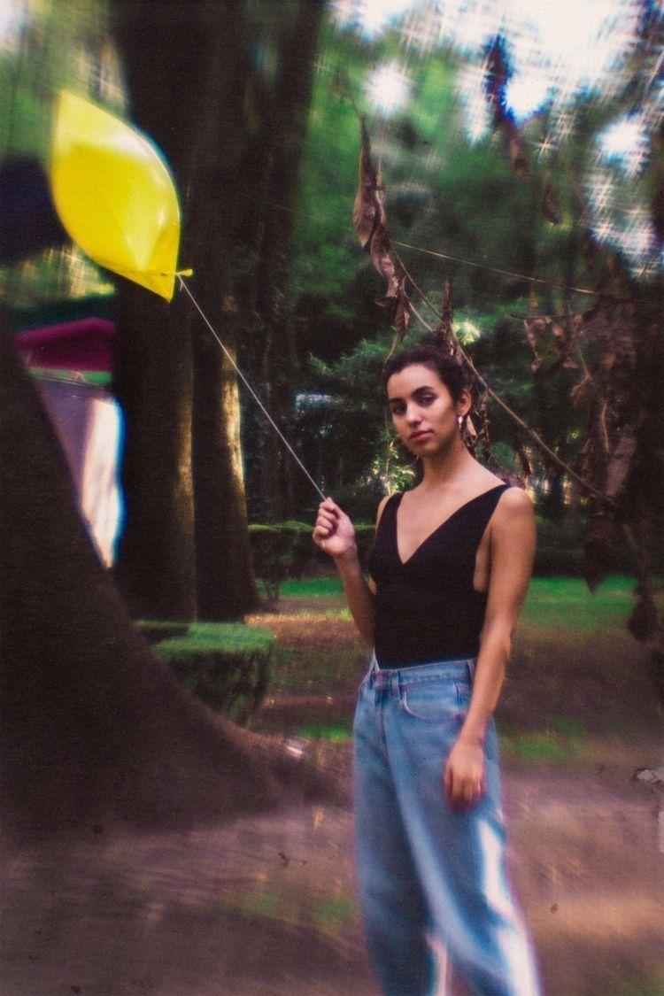Yellow balloon - montcarver | ello
