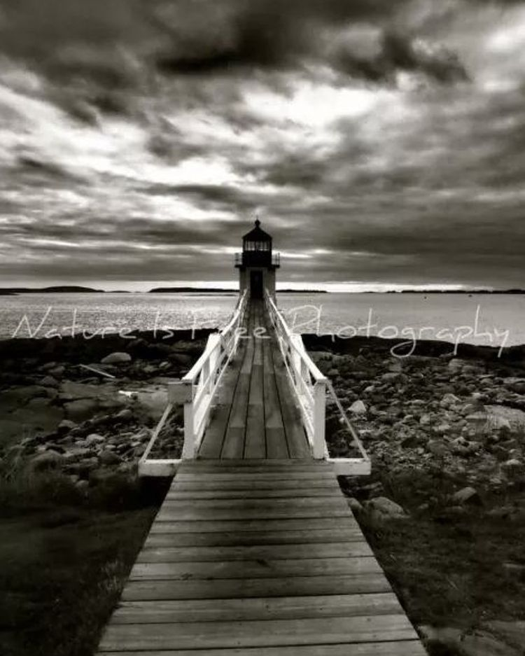 Marshall Point Lighthouse Port  - natureisfree | ello