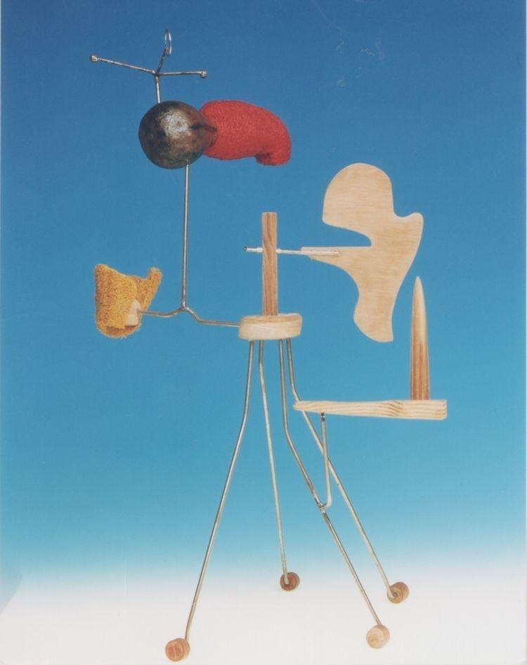 Pájaro telúrico assembly - sculpture - lautaroyepes | ello